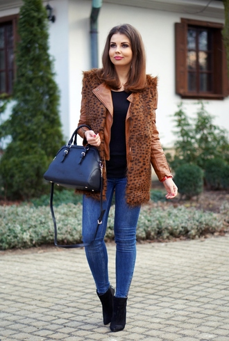 a piece of anna blogger leather jacket brown