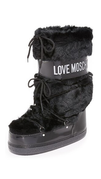 moon boots black shoes