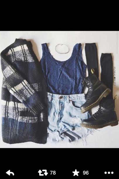 top t shirt print t-shirt blue dress blouse sweater shorts
