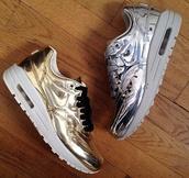 shoes,nike,nike running shoes,liquid gold,metallic,air max