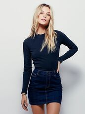 skirt,mini skirt,denim skirt,top,blue top,spring outfits,blonde hair,navy,All blue outfit,All navy blue outfit,blue,monochrome,ribbed top,pinterest