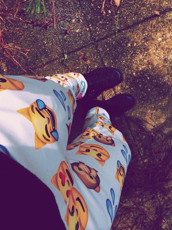 Very Best Emoji Joggers Outfit 600 x 800 · 160 kB · jpeg