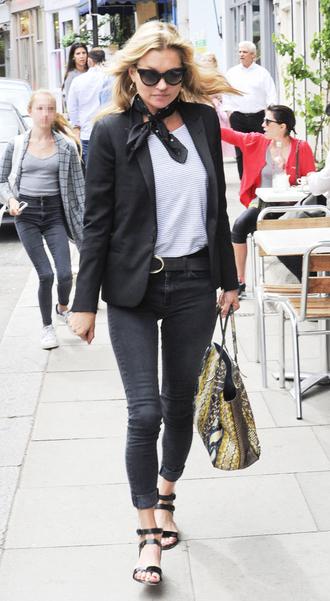 le fashion image blogger scarf jacket top jeans