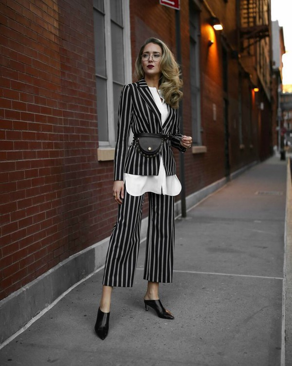 pants cropped pants culottes striped pants striped blazer white shirt shoes stripes shirt mules