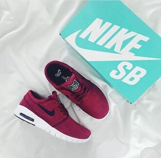 shoes pink nike nike running shoes nike sneakers burgundy sneakers air max low top sneakers burgundy