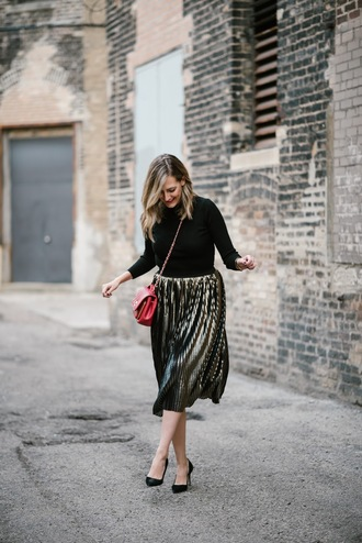 skirt tumblr gold skirt pleated pleated skirt metallic pleated skirt metallic skirt top black top pumps pointed toe pumps high heel pumps bag red bag chain bag midi skirt