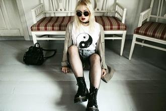 drmartens thelma malna blogger sunglasses yin yang denim shorts cardigan