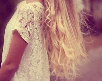 shirt lace white beautiful girl blonde hair hair curly hair blouse hair/makeup inspo