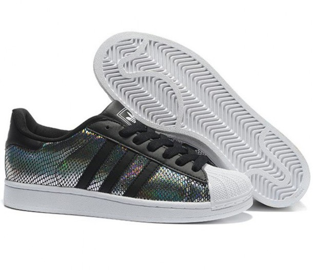 shoes adidas sneakers adidas shoes trendy silver cool metallic fashion style adidas superstars boogzel girl girly girly wishlist adidas originals holographic holographic shoes