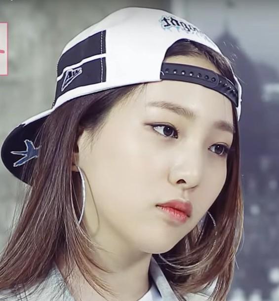 hat cap black and white K-pop kpop korean fashion korean style korean  celebrities 22c6aa72d19