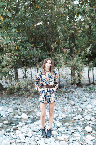 styling my life blogger romper belt shoes jewels