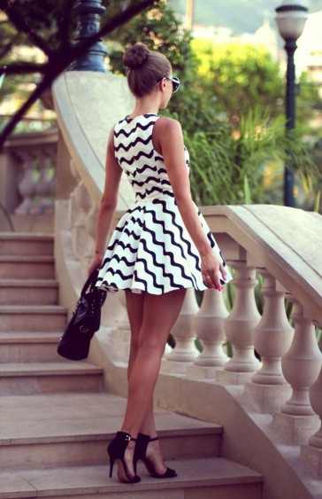 Wavy strip skater dress