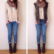 blouse,creame blouse,green vest pull over,fashionista,ootd,ripped jeans,blue ripped jeans,long sleeve cream shirt,cre,jeans
