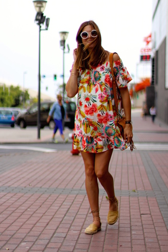 marilyn'scloset blogger dress bag shoes sunglasses floral dress espadrilles shoulder bag mini dress summer dress summer outfits