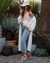 bag,shoulder bag,fluffy,jeans,sneakers,high waisted jeans,turtleneck,sleeveless,cardigan,long cardigan,knitted cardigan,hat
