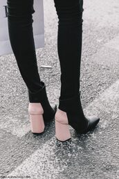 shoes,tumblr,fashion week 2017,streetstyle,thick heel boots,thick heel,block heels,ankle boots,jeans,black jeans,skinny jeans,boots,booties,booties shoes,fall outfits,pinterest