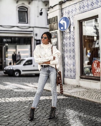 sweater cable knit grey jeans buckle boots white sweater knitted sweater knitwear jeans skinny jeans boots