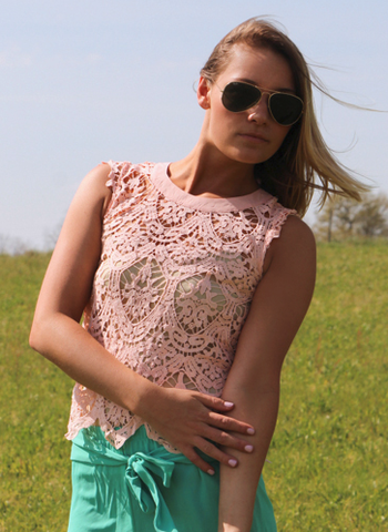 Believe in Lace Peach Top| Entourage Clothing & Gifts