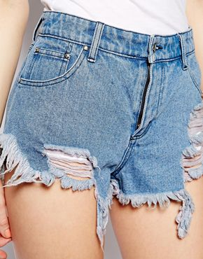 Somedays | Somedays Loving - Short en jean usé chez ASOS