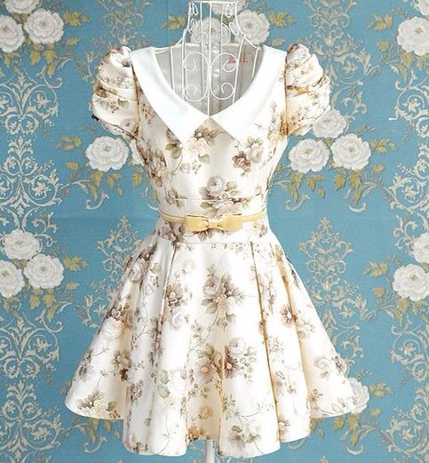 Stunning vintage inspire floral puff sleeve dress