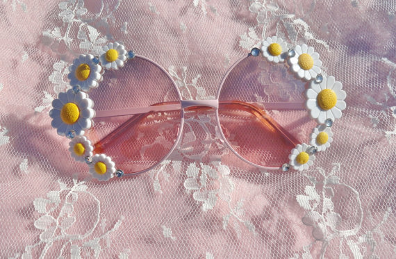 Pastel pink round flower daisy sunglasses with by voxpopulijewelry
