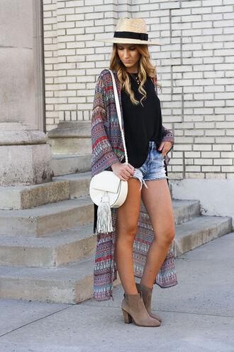 twenties girl style blogger tank top shorts hat jewels shoes straw hat black top asymmetrical aztec denim shorts nude boots beige camel