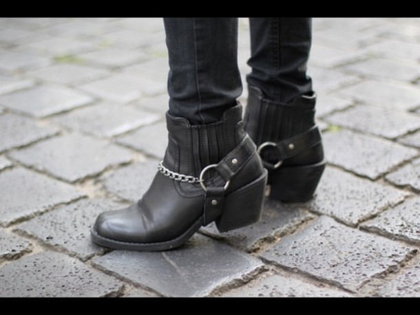 shoes boots black biker shoes ankle boots chain square toe short heel heel leather