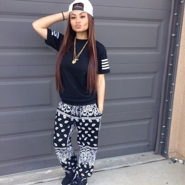 t-shirt india westbrooks beautiful fashion make-up decoration model versace shoes swag skirt pants bandana print