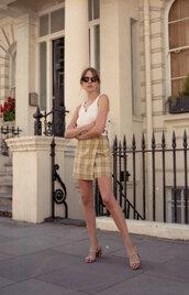 skirt,top,sandals,sunglasses
