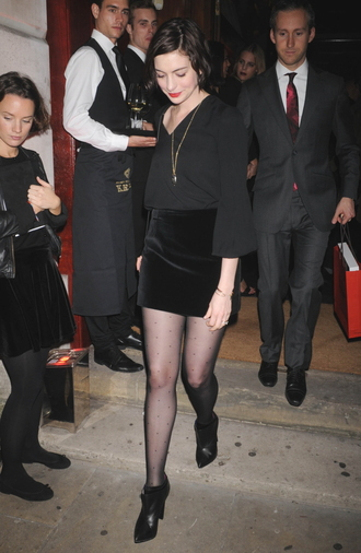 boots fall outfits anne hathaway black skirt velvet