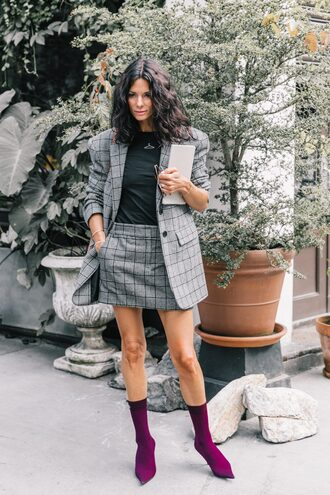 skirt streetstyle plaid plaid mini skirt mini plaid skirt blazer plaid blazer boots sock boots top pointed toe jacket check blazer black top mini skirt grey blazer