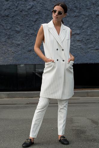 fashion vibe blogger jacket pants sunglasses