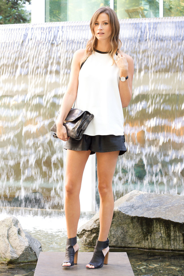 styling my life blogger top bag jewels leather shorts