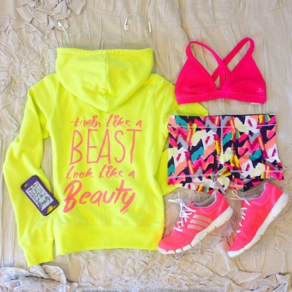 top sportswear sports bra sports shorts sweater jacket