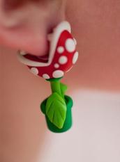 jewels,flowers,eating,ear,earrings