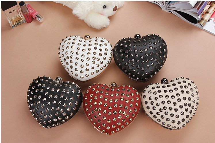 free shipping 2013 Peach heart rivet handbag evening bags day clutches fashion black red wedding heart clutch bridal women NB31-in Bag Parts & Accessories from Luggage & Bags on Aliexpress.com