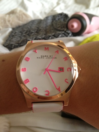 jewels white marc jacobs watch boho hipster watch marc by marc jacobs pink gold bohemian girly wishlist cool fashion perfect marc jacobs tumblr hot underwear henry watch classy belt accessories pink dress gold watch sunglasses
