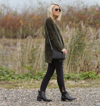 blogger khaki bag jeans jewels platinum and penniless fluffy chelsea boots