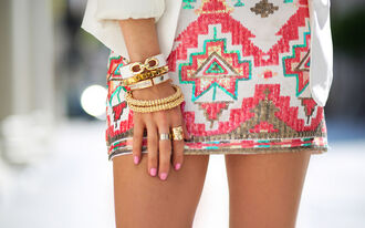 skirt jewels white pink aztec aztec skirt glitter dress glitter indian haute & rebellious cute pretty girly neon mini skirt bright tribal pattern design nice green red beautiful style amazing perfect combination perfection jewelry