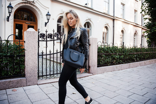 fanny lyckman blogger jacket jeans bag