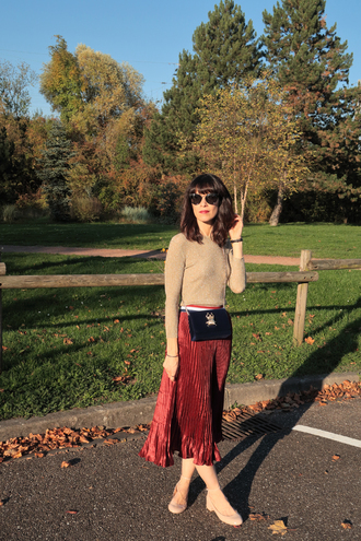 punky b blogger top shoes fall outfits beige top red skirt pleated skirt crossbody bag