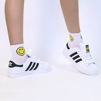 shoes sneakers adidas fashion style white summer cool adidas shoes adidas superstars boogzel