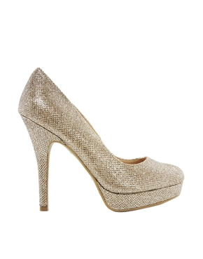 New Look | New Look – Swoon 3 – Goldene Plateaupumps bei ASOS