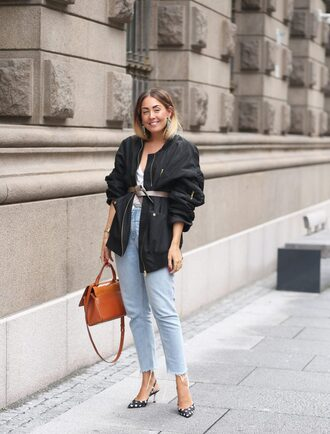 jeans black jacket brown bag tumblr blue jeans mom jeans jacket slingbacks bag belt