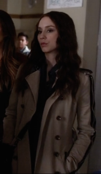 pretty little liars spencer hastings trench coat