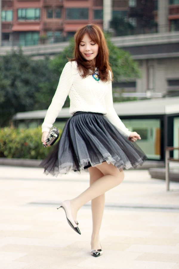 mochaccinoland jewels skirt sweater shoes