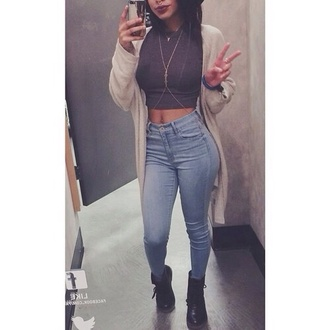 jeans cardigan jewels shirt high waisted jeans dark blue crop tops sweater shoes long long cardigan tank top blue jeans hair accessory black crop top crop tan denim beige sweater pants boots body chain blouse