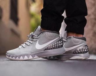 shoes nike nike shoes nike spikes spikes grey nike shoes grey nikes metalic shoes