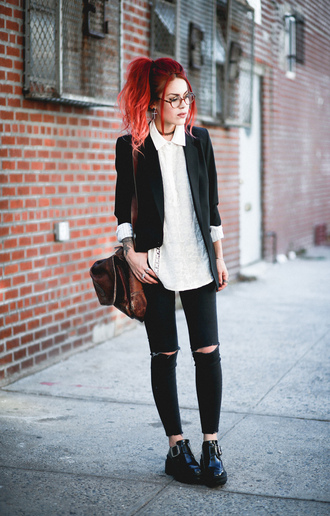 le happy blogger black blazer oversized shirt black ripped jeans soft grunge