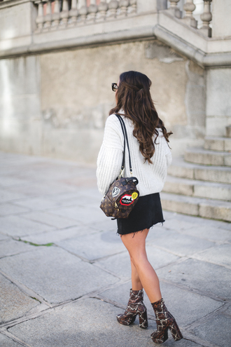 bag tumblr mini backpack louis vuitton backpack sweater white sweater oversized sweater oversized skirt mini skirt black skirt denim skirt boots printed boots high heels boots ankle boots platform boots snake print ankle boots